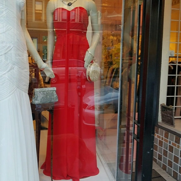 Stunning Red Gown- size 8 e2d7423ac